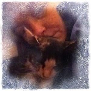 Artist-BZTAT Selfie with kitten Mia Meow
